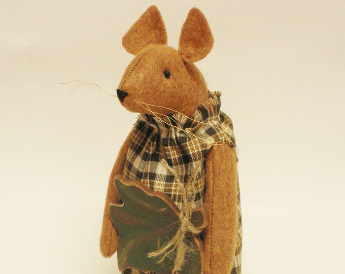 Primitive Fall Mouse with Leaf, Handmade Mouse, Country Farmhouse Mouse Decor