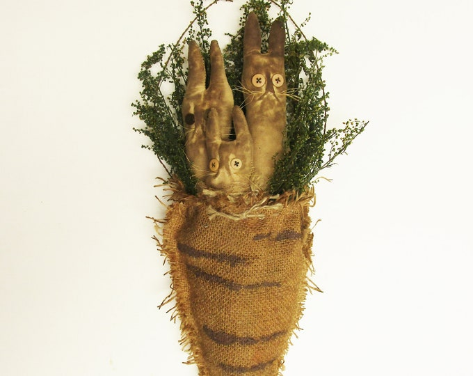 Primitive Rabbits in Burlap Carrot Ornament | Easter Bunny | Country Farmhouse Spring Decor
