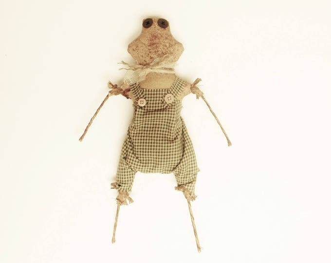 Primitive Frog, Handmade Dolls, Spring Decor, Country Farmhouse Animal Accent