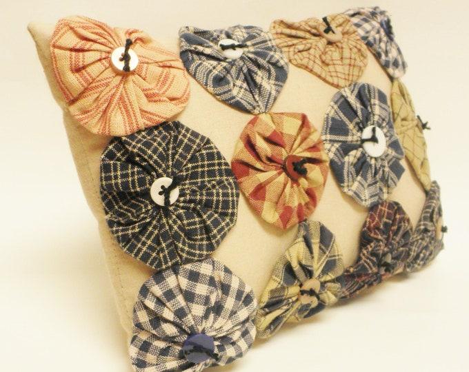 Yo Yo Pillow with Buttons   Primitive Mini Pillows   Country Farmhouse Accent Pillows