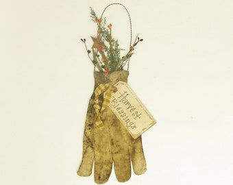 Garden Glove Ornament, Grubby Gardening Glove Wall Accent, Primitive Fall Decor, Country Farmhouse Decor