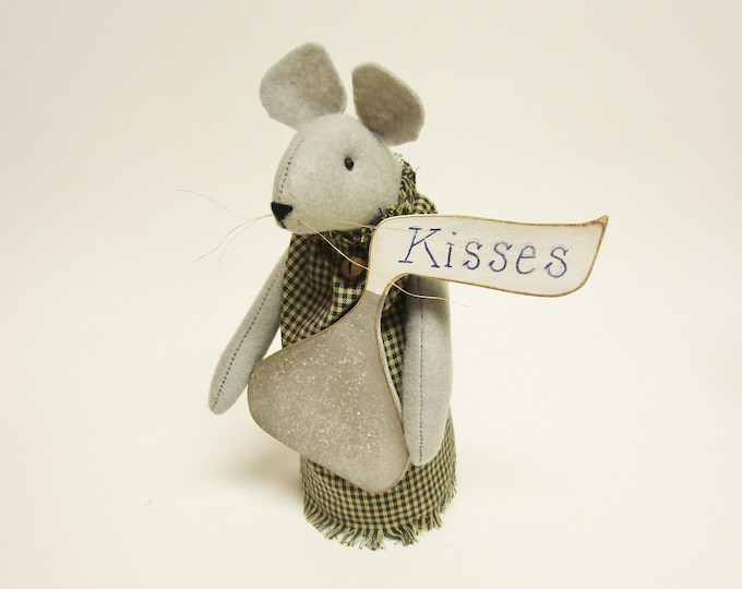 Christmas Mouse | Handmade Mouse | Primitive Mouse