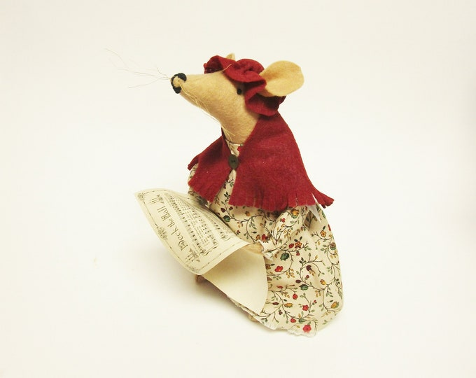 Caroling Mouse, Christmas Mouse Decorations