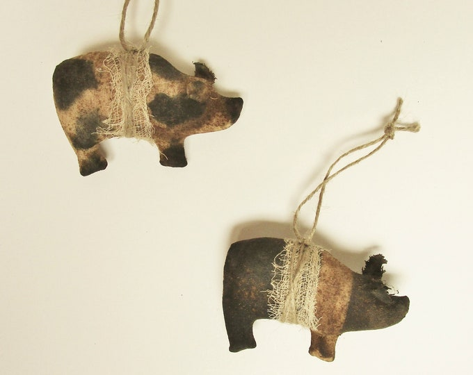 Primitive Pig Ornament Set of Two | Handmade Ornaments | Primitive Pigs