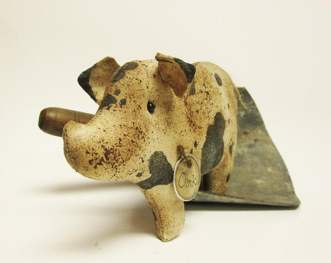 Primitive Pig | Handmade Spotted Pigs Farmhouse Decor