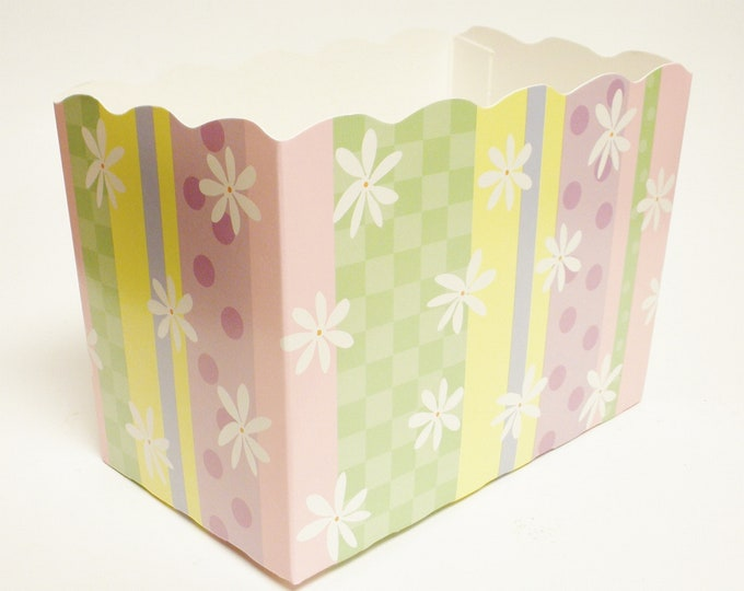 Pastel Stripe Daisy Dot Box   Flower Theme Gift Boxes   Easter Basket Gift Boxes