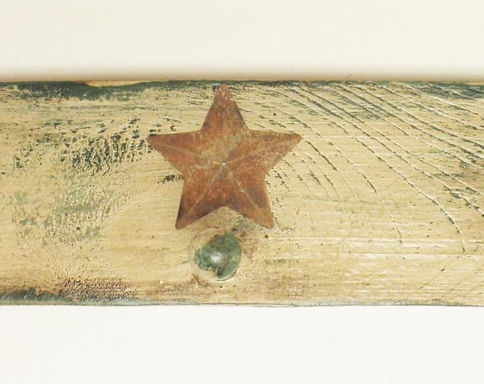 Peg Shelf with Five Pegs and Rusty Star | Primitive Peg Rack | Shaker Peg Rails