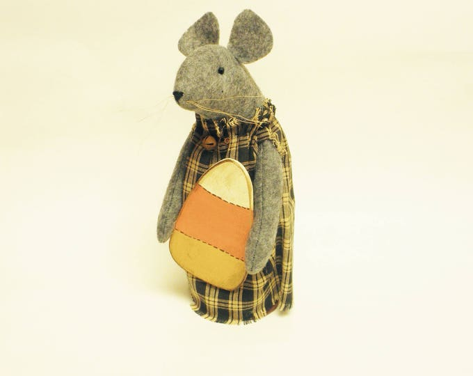 Primitive Candy Corn Mouse, Handmade Mouse with Candy Corn, Primitive Halloween Mouse