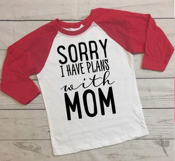My Nana in Connecticut Loves Me Toddler//Kids Raglan T-Shirt