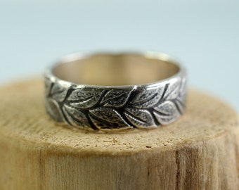 Silver Laurel Wreath Ring Wide Band Symbol of Victory and Peace Leaf Ring Renewal and Growth