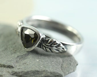 Unique Silver Forest Leaf Ring Band  Woodland Jewelry Size O 0.5
