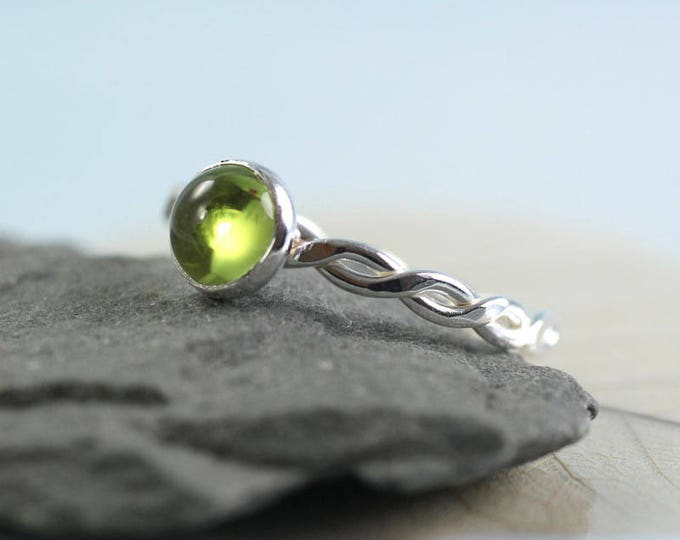 Hammered Twist Ring - Silver with Smooth Peridot Gemstone | Girlfriend Gift