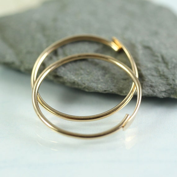 Gold Fill Hoop Earrings 18 mm - Simple overlap closure -  14k Gold Fill