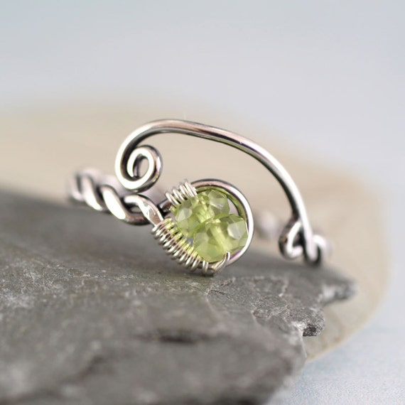 Silver Twist Ring with Peridot Beads  Viking Style