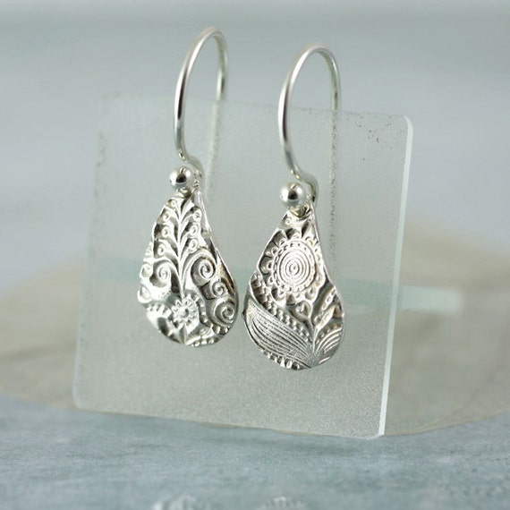Fine Silver Earrings Flower Pattern Impression