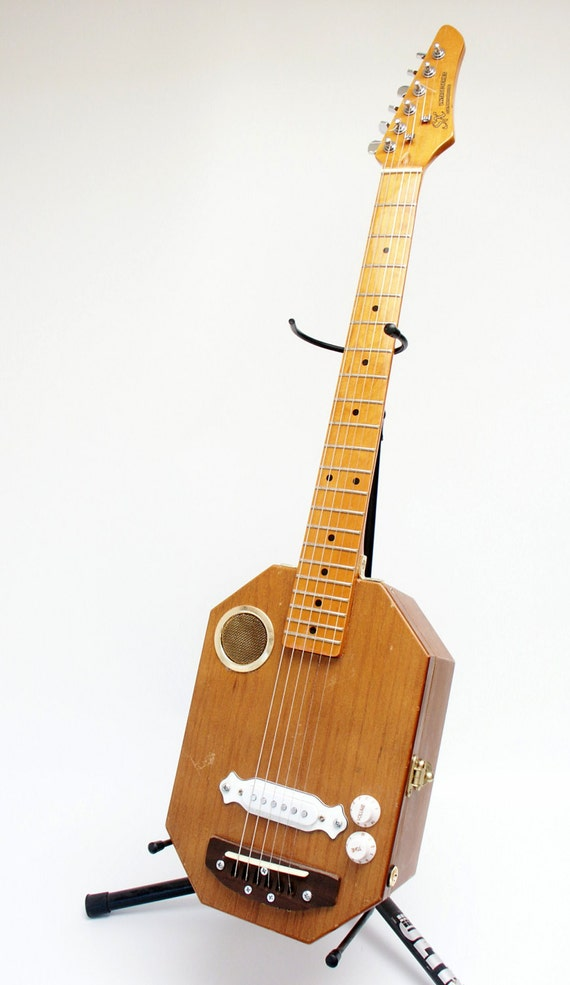 electric jewlry box acoustic guitar handmade recycled cigar etsy. Black Bedroom Furniture Sets. Home Design Ideas