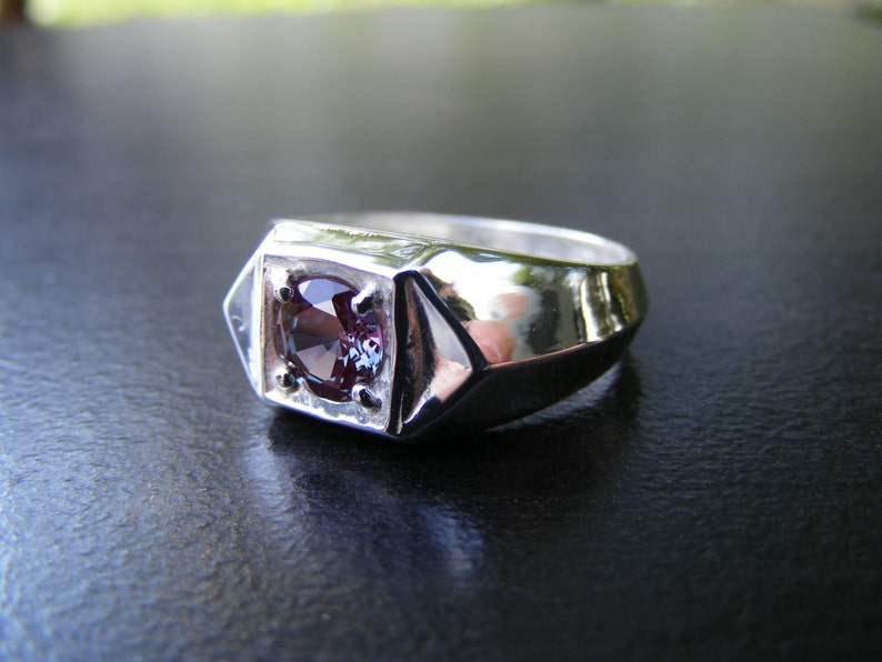S334 Made To Order...Sterling Silver Contemporary Ring with 1 Carat Color Change Lab Alexandrite Gemstone