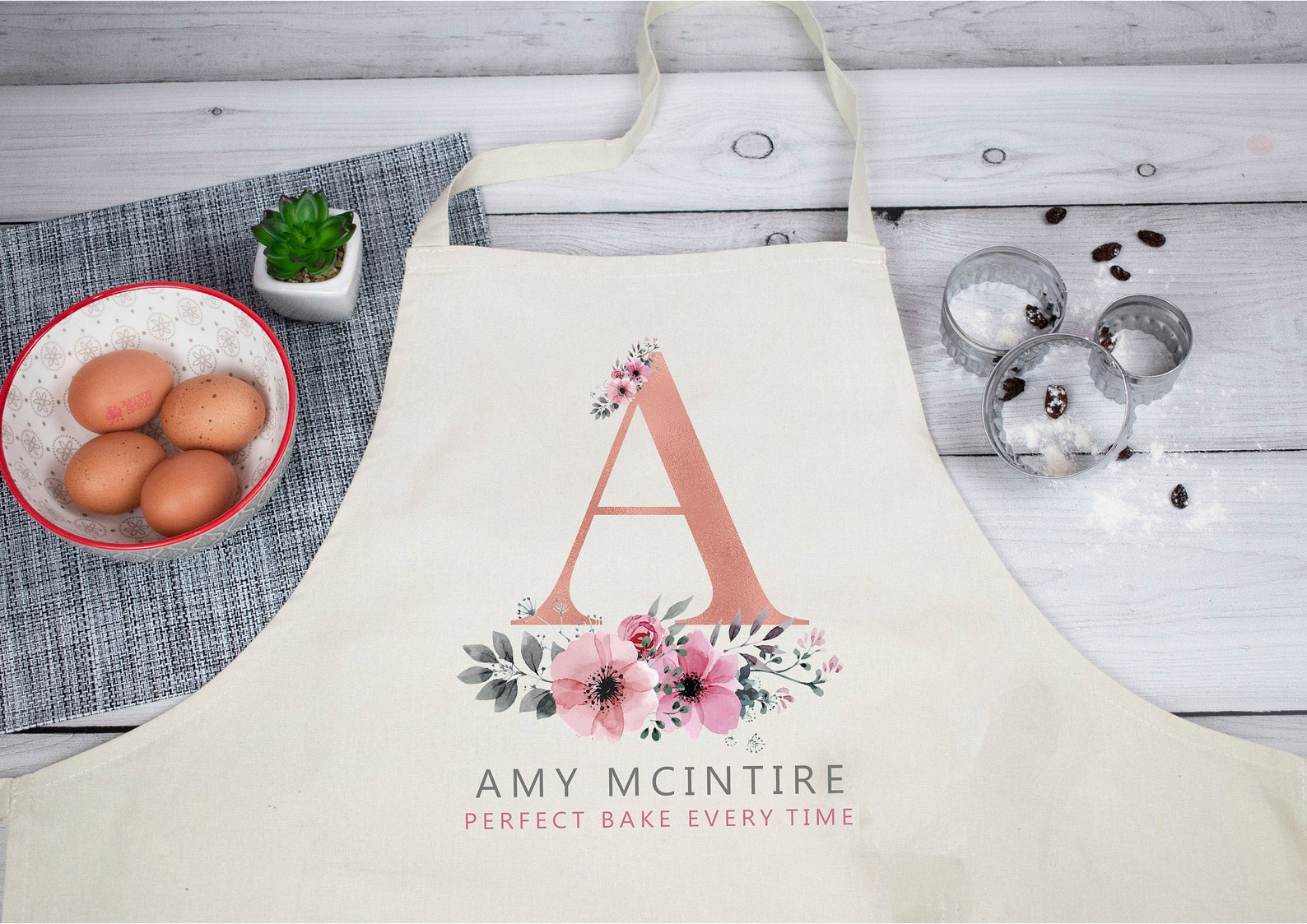 Personalised initial apron