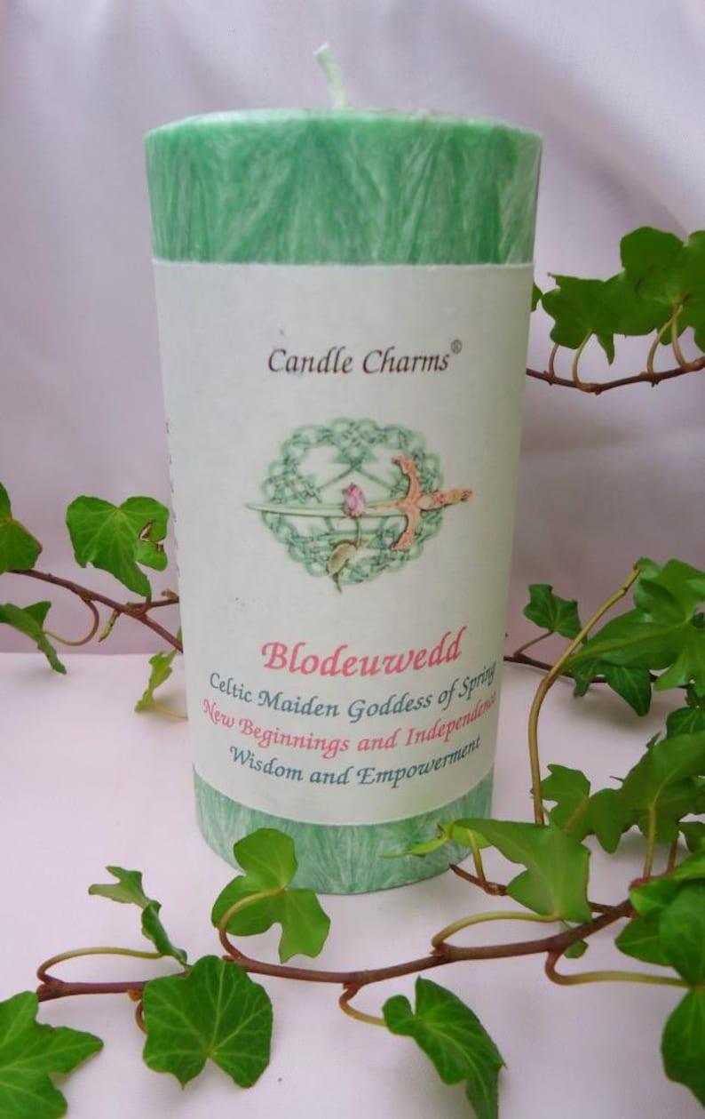 Celtic Goddess Blodeuwedd 3 x 6 Green Magick Palm Wax Pillar image 0