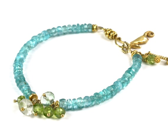Apatite and Peridot Ocean Charm Bracelet. Beaded Bracelet with Seahorse in Silver or Gold