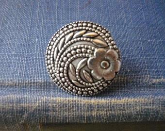 12 pcs Antique Silver Floral Shank Buttons 17mm (SB237)