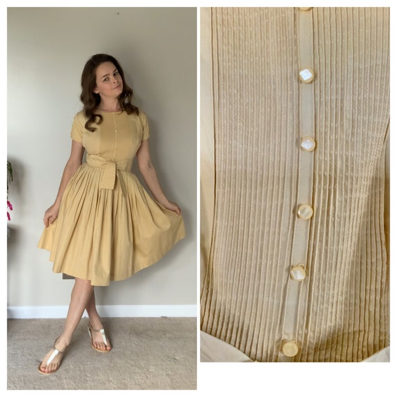Vintage 1950's Fit and Flare Yellow Full Skirt Dre