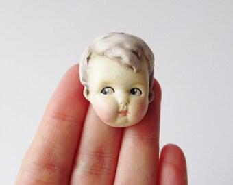 Poupée ancienne Pin lila cheveux - Doll Face broche nounours de Dottie