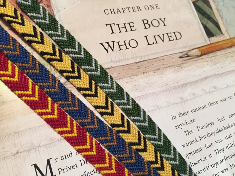 Thin Chevrons Inspired by Harry Potter/'s Hogwarts House Scarves
