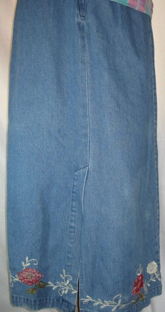 PRICE REDUCED - Western Midi Vintage Embroidered Womens Blue Jeans Skirt Size Small