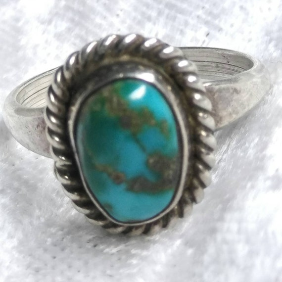 Awesome Vintage Turquoise and Sterling Silver Ring Size 6