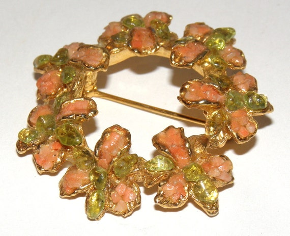 Vintage Coral and Green Leaf Floral Wreath Pin - 1980s Brooch Pendant