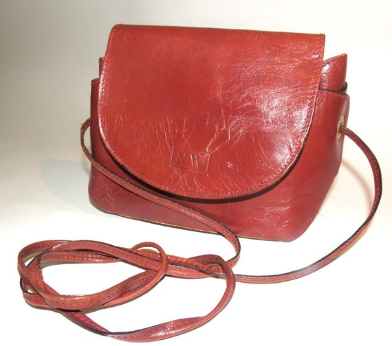 Brown Red Rust Leather Vintage Nine West Crossbody Purse - Made in Italy - Slightly Distressed