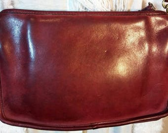 RARELY SEEN New York City Coach Vintage Envelope Shoulder Purse Bag from the '70's