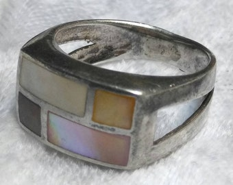 Vintage Inlaid Multi-colored Mother-of-Pearl 925 Silver Ring size 6