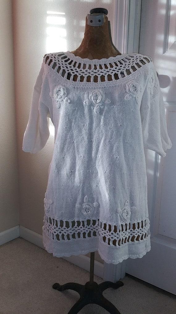 Vintage Shenanigans White Floral Motif Knit Sweater size medium