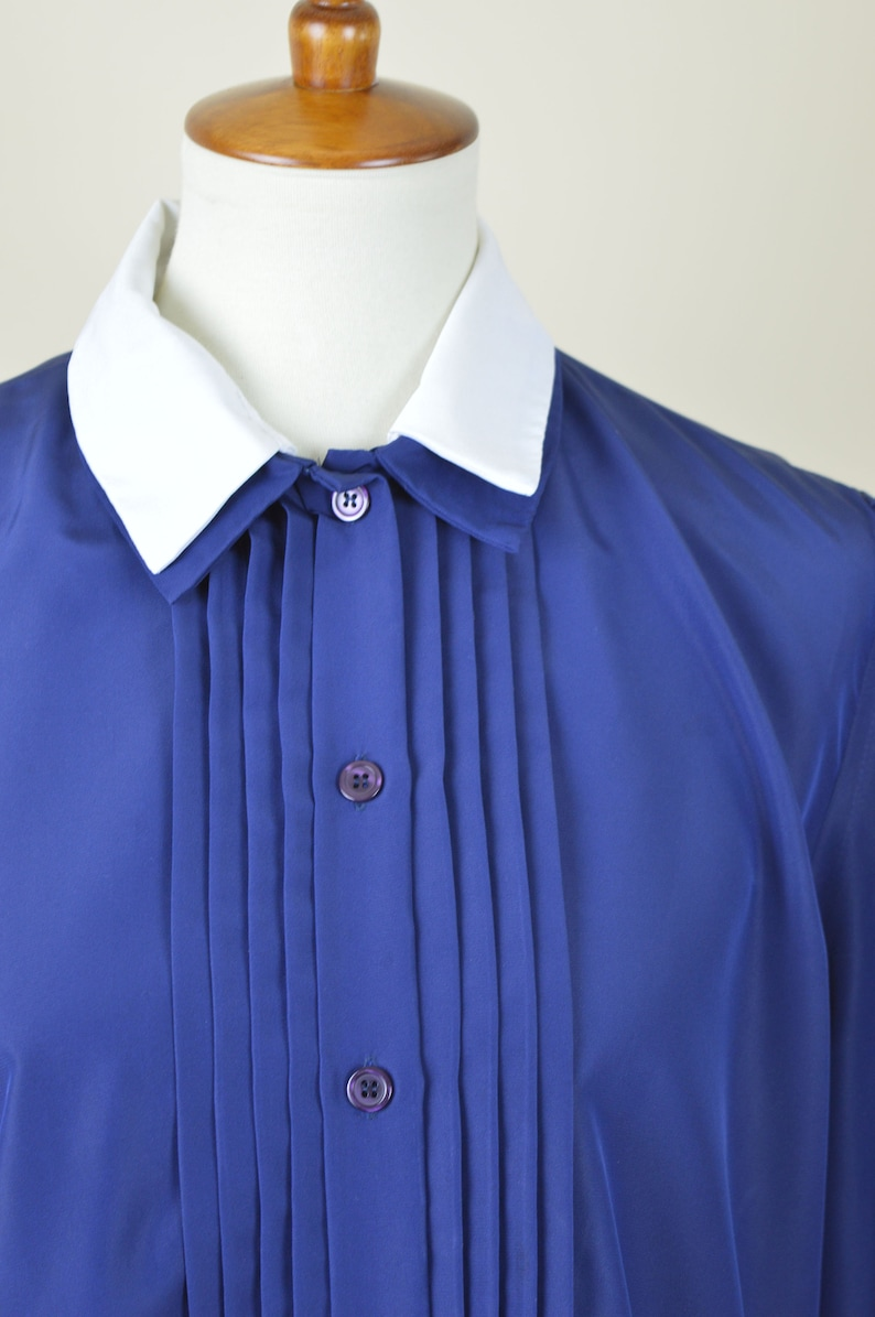 Business Casual 80/'s Blue Pin Tucked Secretary Blouse Vintage Long Sleeve Button up Dress Shirt Women/'s Blouse Size  Large