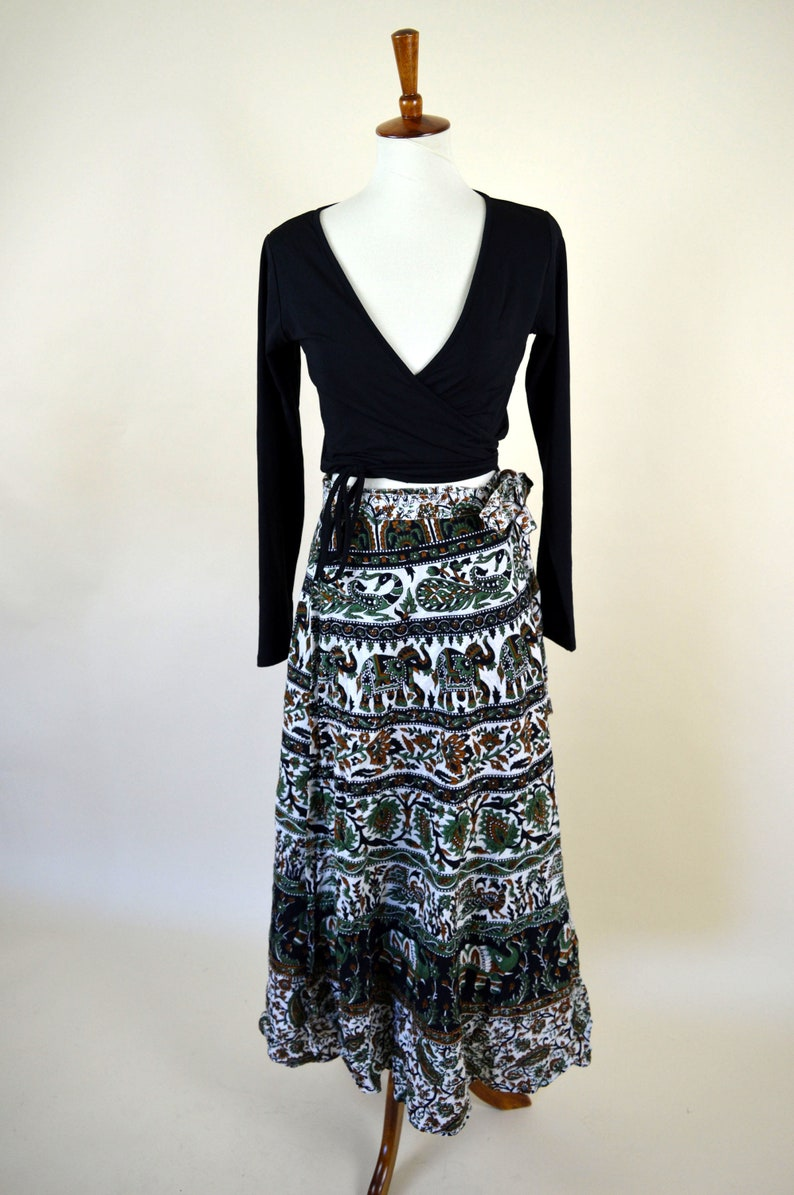 Sarong Skirt Up to Size Large Elephant /& Peacock Print Green and Black Hippie Boho Festival Skirt Vintage 70/'s India Cotton Wrap Skirt