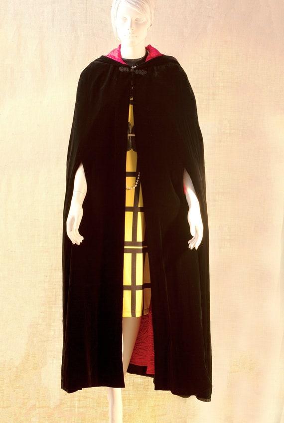 Laura Ashley, Long Black Cape, Cape Coat Velvet, V