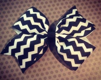 Black Chevron Print Hairbow...Girls Hairbows...Baby/Infant Hairbows...Hairclips...Bows