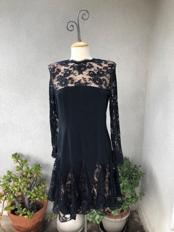 Vintage gorgeous Black lace cocktail dress nude li
