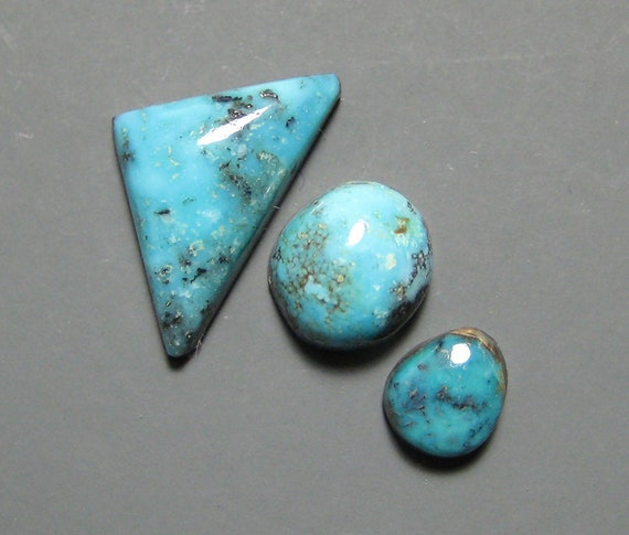 Nevada Blue Mine Natural Turquoise Cabochon from Nevada 22x11mm