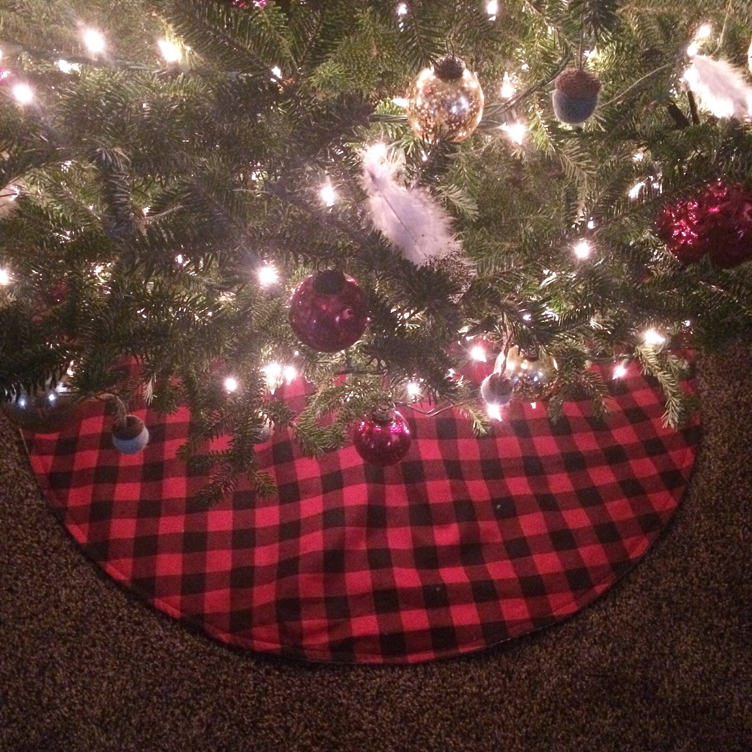 40 buffalo plaid natural burlap tree skirt redblack check cotton flannel christmas woodland cabinfarmhouse decor rustic chic - Red And Black Plaid Christmas Decor