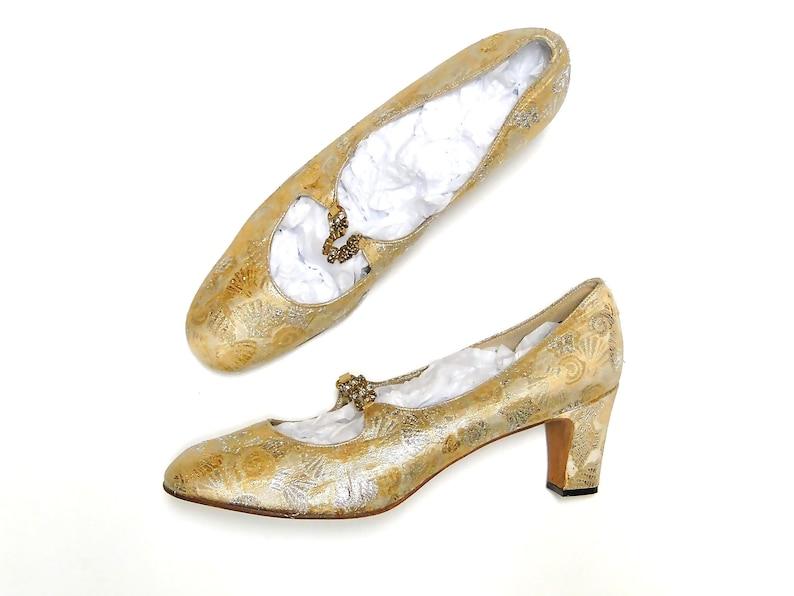 805acc10990 Vintage Nordstrom Shoes Women s Pumps Gold Silver Brocade