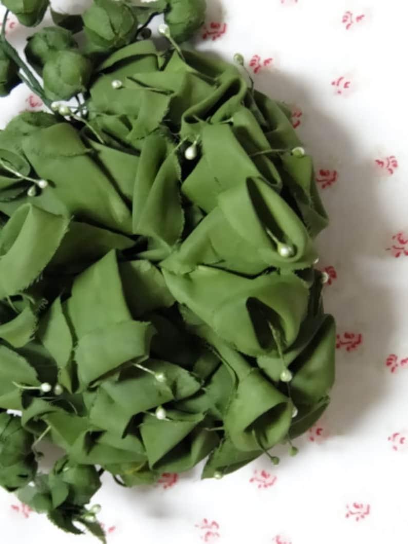 Vintage Millinery Large Appliqu\u00e9 Rosebuds Green Silk Hat Fascinator Trim Supplies