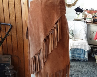 Fringed Wrap Skirt * Suede Leather * Size M * Adjustable Waist tie * Fringed Edge * Western / Vintage Southwestern Skirt