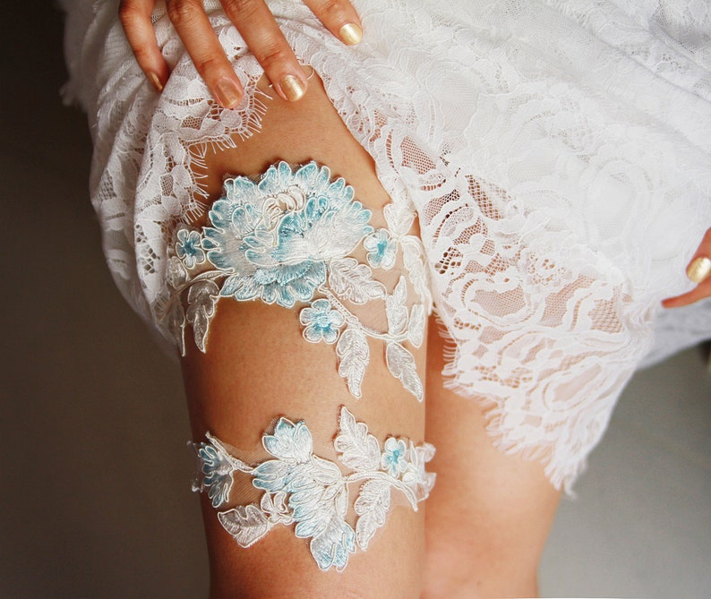 d055da64751 Wedding Garter Set Bridal Garter Belt Ivory Blue Garter Lace