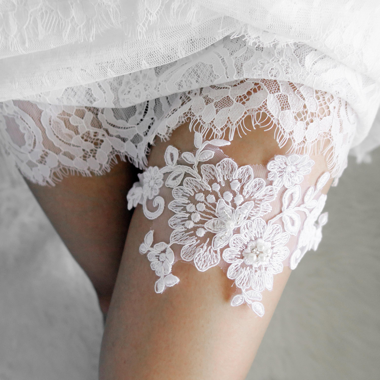 Wedding Garter Bridal Garter White Lace Garter Flower