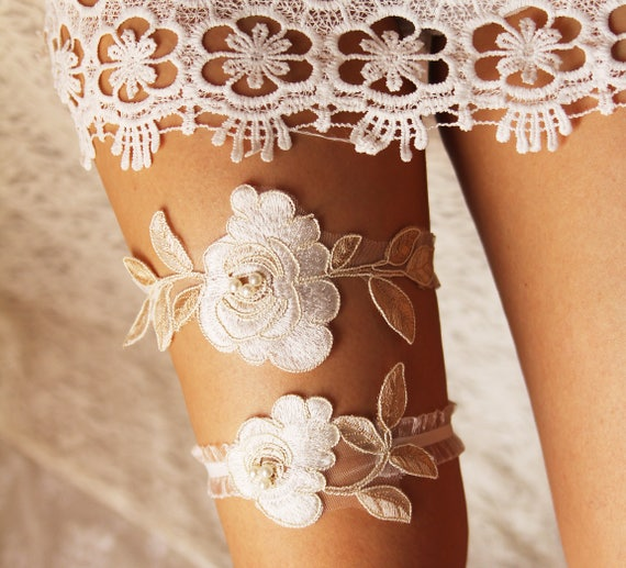 What Is A Wedding Garter: Items Similar To Wedding Garter Set Bridal Garter Lace