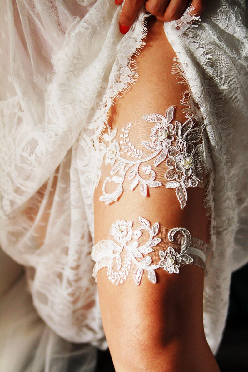 9add8112c7a Bridal Garter Wedding Garter Lace Garter Set Ivory Garter