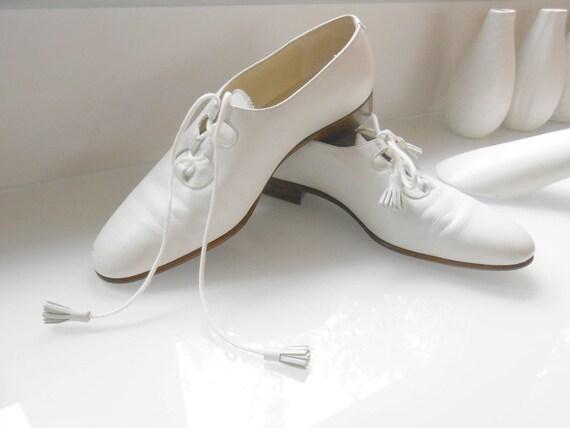 4a6d2295cc64 White Oxford Shoes  Minimalist Shoes  White Leather Shoes